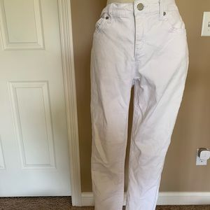 White skinny jeans size 4